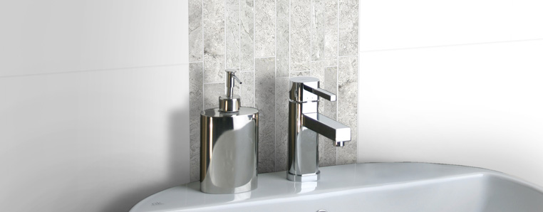 Popular Helpful Guide For Choosing The Right Bathroom Tiles_4